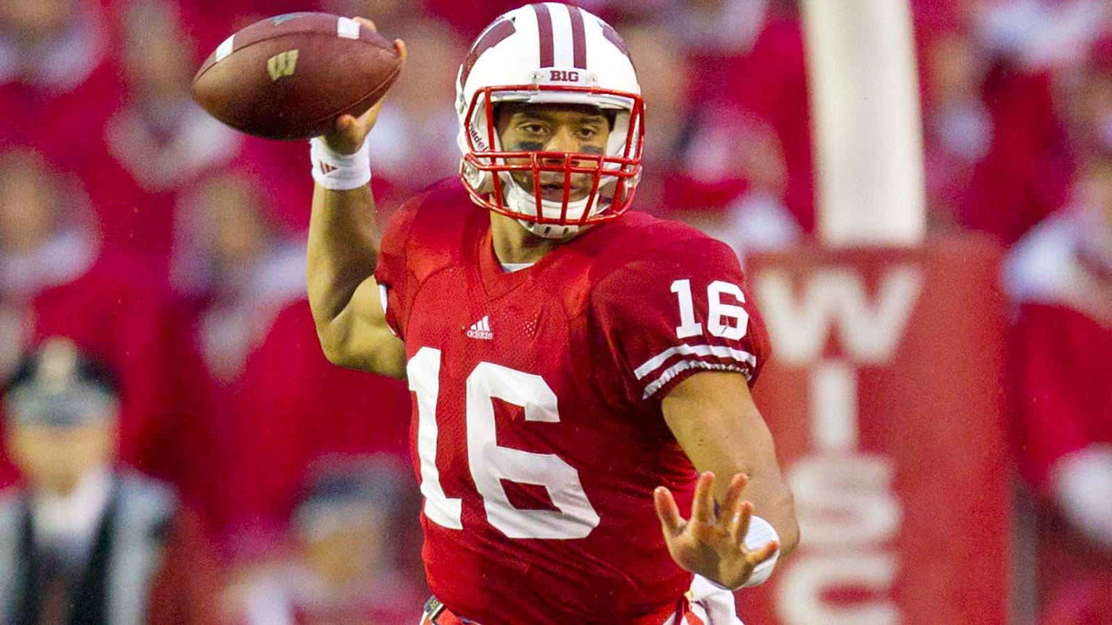 the best attitude 254d8 08e59 Former Badgers QB Wilson speaks at UW commencement | FOX Sports
