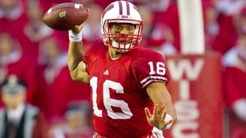 Badgers overcome shaky start for 59-10 win over Utah State