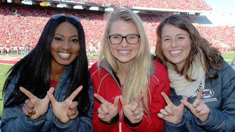 The FOX Sports Wisconsin Girls throw up the dubs for a Wisconsin win!
