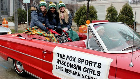 """Check out the FOX Sports Wisconsin Girls """"sleigh"""" for the parade. We think Santa would be jealous!"""
