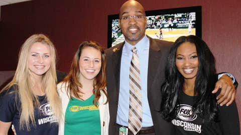FOX Sports Wisconsin's Tony Smith stopped by to give fans (and the FOX Sports Wisconsin Girls) the inside scoop on the matchup.