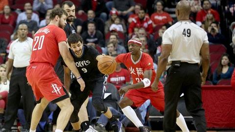 PHOTOS: Rockets 113, Wolves 102