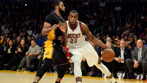 PHOTOS: Lakers 101, Bucks 93
