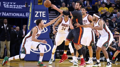PHOTOS: Warriors 102, Bucks 93