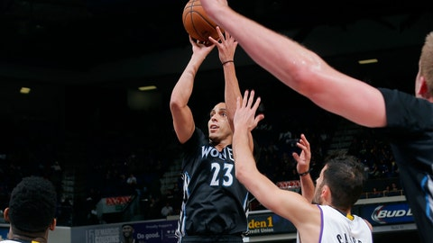 PHOTOS: Kings 116, Wolves 111