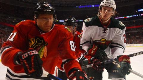 PHOTOS: Wild 2, Blackhawks 1