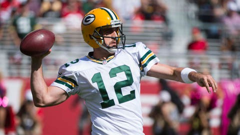 Who will Aaron Rodgers throw to?