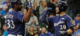 Carter, Lucroy lift Brewers over Padres
