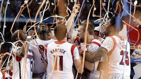 Louisville hoops wins March