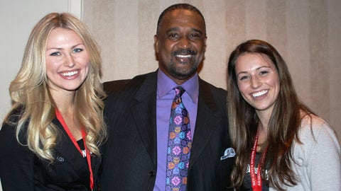MLB Hall of Famer Jim Rice helps Chyna & Sage get ready for Brewers baseball.
