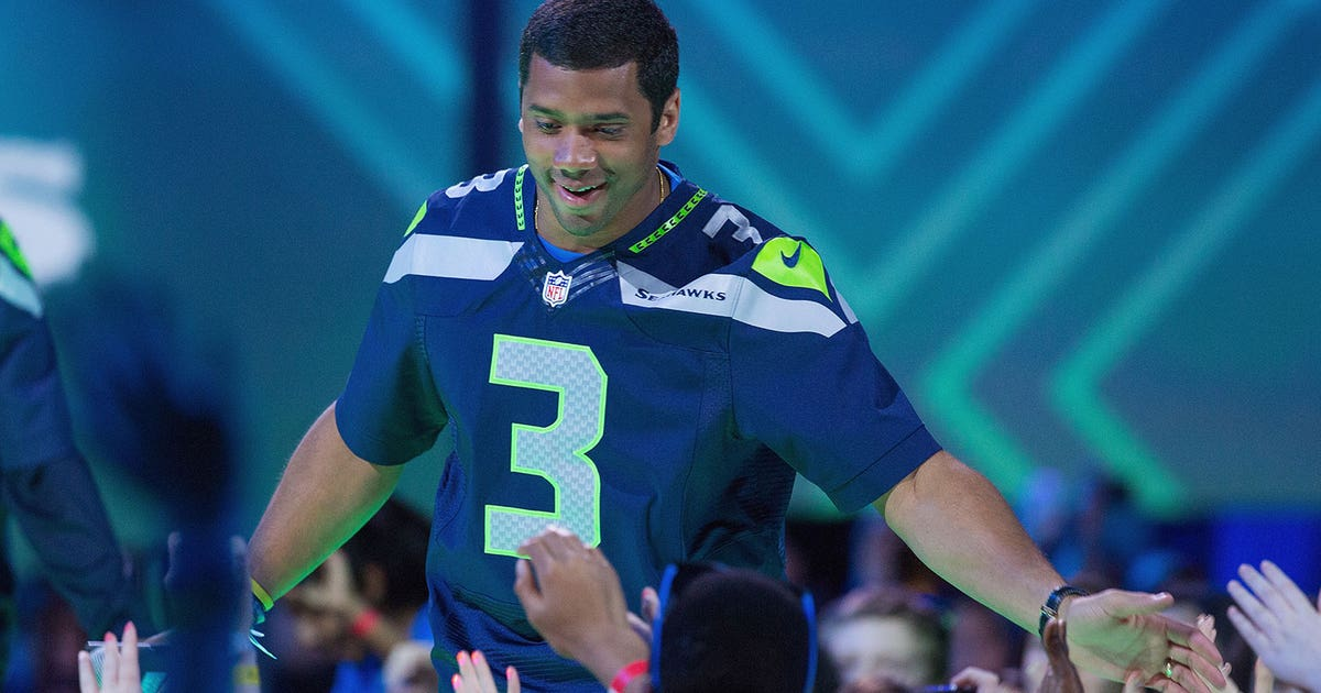 Russell Wilson sold more merchandise than any other NFL player this year | FOX Sports