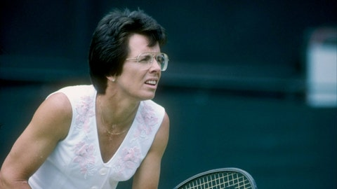 Oldest woman to win a pro tennis tournament