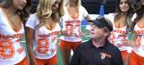 WATCH: Jon Gruden coaches Hooters Girls