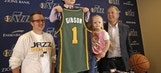 Utah Jazz sign 5-year-old cancer patient and help him dunk during game