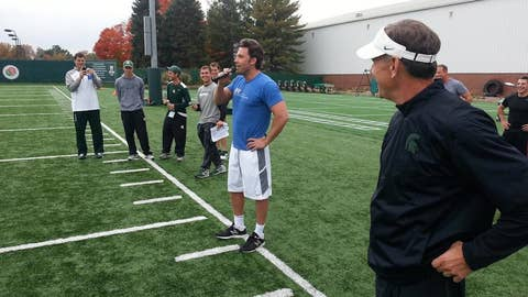 Ben Affleck breaks from 'Batman' to hit weights with MSU Spartans