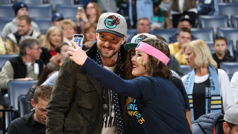 Justin Timberlake owns a fan who accused him of bandwagoning on the Memphis Grizzlies