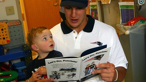 Gronk reads