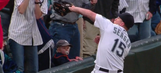 Watch: Mariners' Seager makes great catch directly in front of oblivious toddler