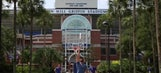 Gator alum does crazy Frisbee trick shots at the Swamp