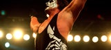 Wrestler Sting suffers injury during WWE show