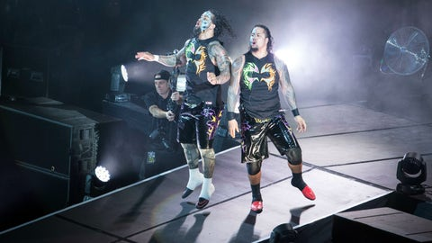 Kickoff show: The Usos vs. Breezango