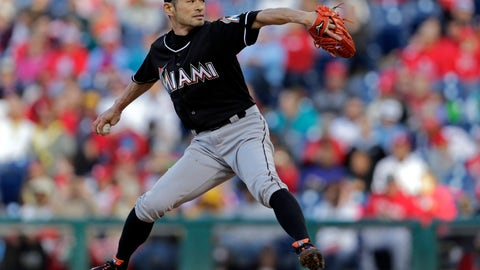Ichiro pitched one inning in Miami's final game of the 2015 season