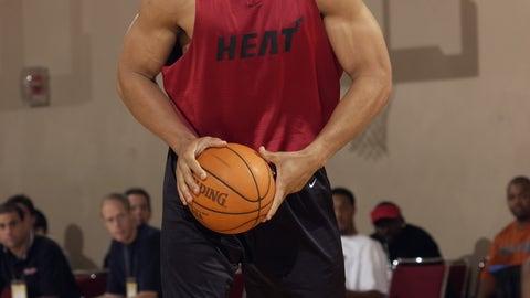 Tony Gonzalez: Football, basketball