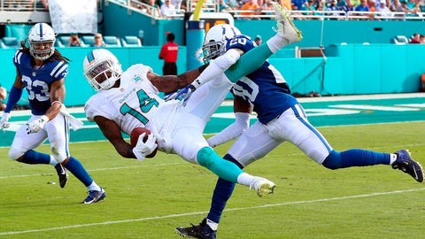 Dolphins WR Jarvis Landry uses one hand to reel one in (Week 16)