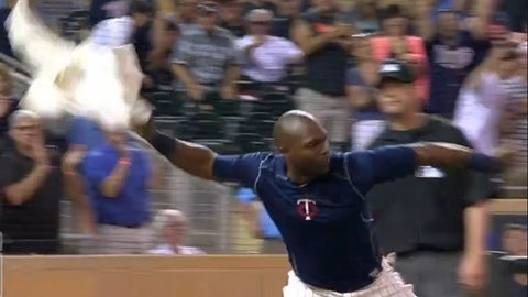 Torii Hunter disrobes and tosses his jersey (June 2015)