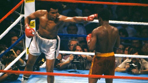 Muhammad Ali regains championship from Leon Spinks