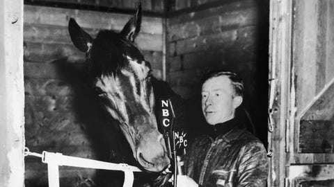 1938: Seabiscuit defeats War Admiral in 'Match of the Century'