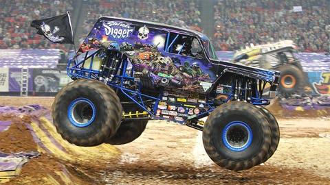 Monster Jam racing in Atlanta: Son-uva Digger®