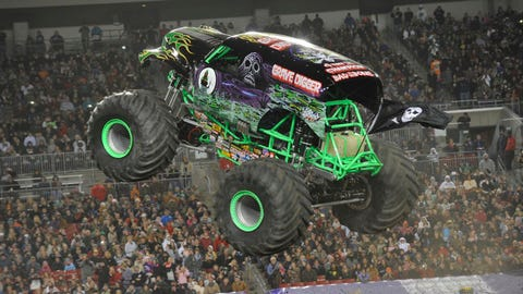 Monster Jam freestyle in Tampa, FL: Grave Digger®