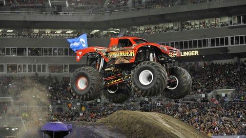 Monster Jam freestyle in Tampa, FL: Gunslinger
