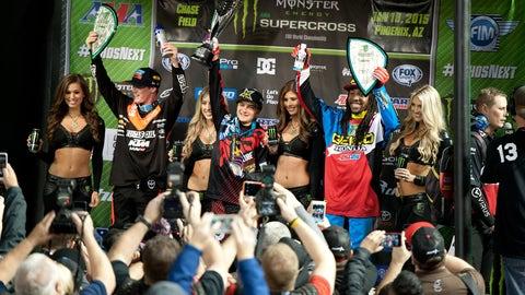 Hot pass: Supercross racing action from Phoenix