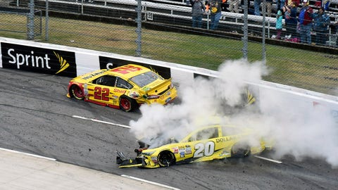 Martinsville - Kenseth vs. Logano