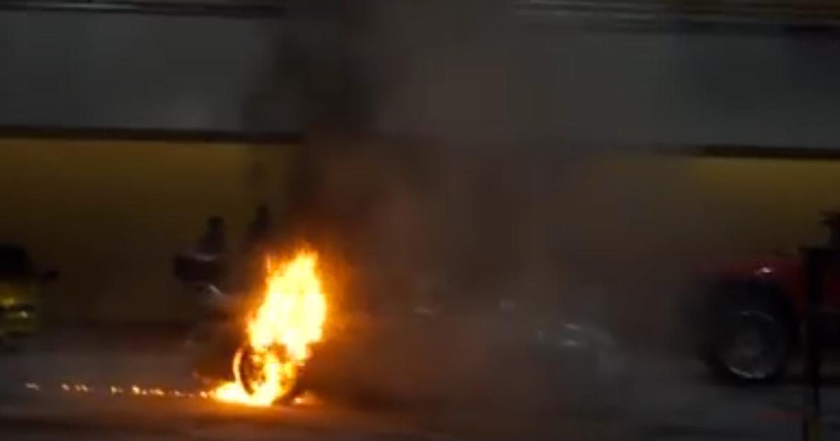 This Porsche 993 Turbo Burst Into Flames At New York Auto Show Fox Sports