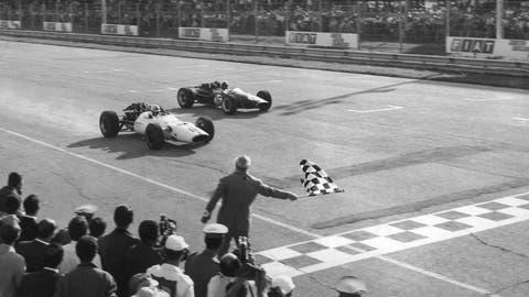 1967 Italian GP: John Surtees wins by 0.200 seconds