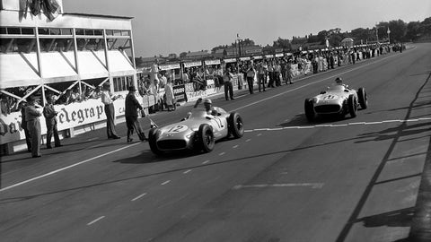 1955 British GP: Stirling Moss wins by 0.200 seconds