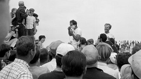5. 1967 Top Fuel Final - Big Daddy's beard must go