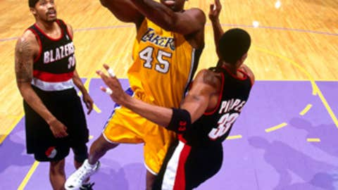 A.C. Green's 1,192 consecutive games