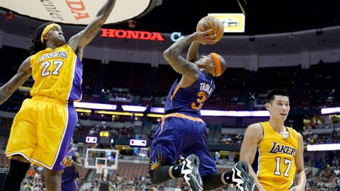 Isaiah Thomas helps the Suns go even smaller