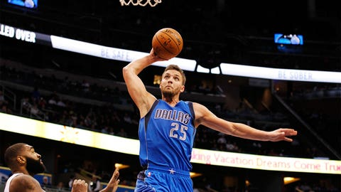 The Mavs get older – but better, too, by adding Chandler Parsons