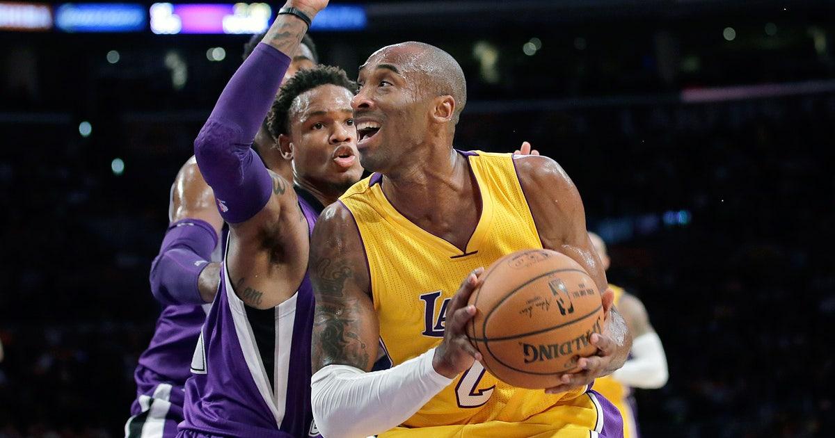 e97ddff35a1 Kobe leads late comeback as Lakers beat Kings
