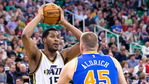 Utah Jazz - Derrick Favors