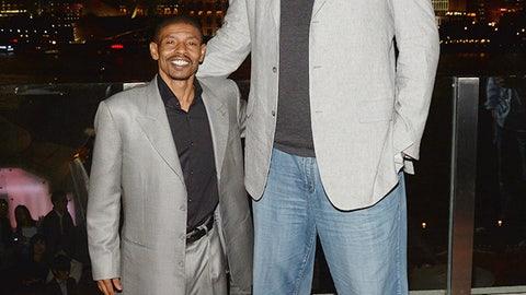 Yao Ming vs. Muggsy Bogues