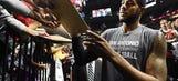 Aldridge gets mixed reception, then lifts Spurs in Portland return