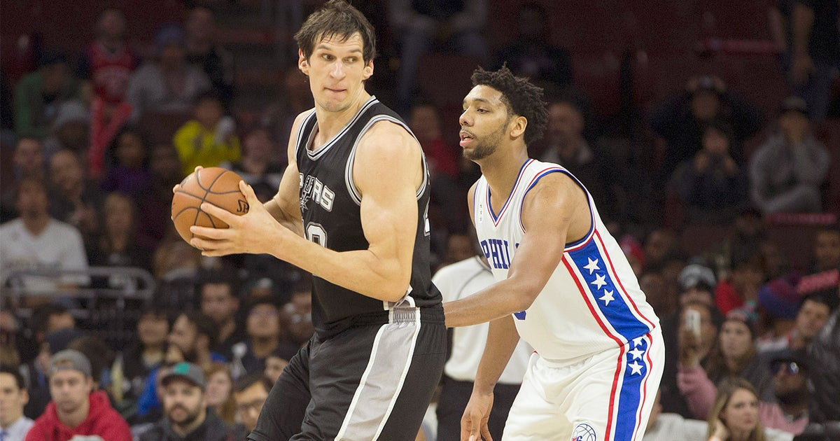 Spurs' Boban might have the largest hands on the planet ...