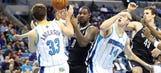 Magic's Jason Smith planning 'Yo Momma' jokes for Pelicans' Ryan Anderson