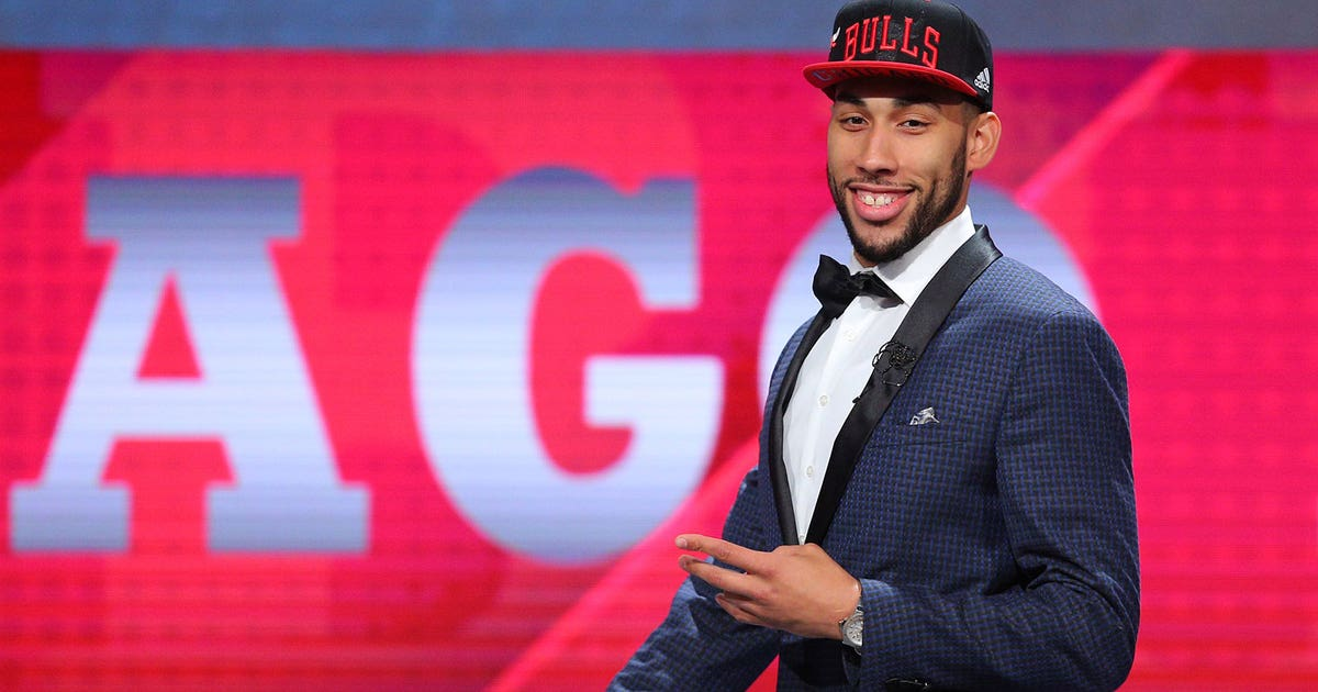 81068e57ce39 Bulls select Denzel Valentine with 14th pick in the draft